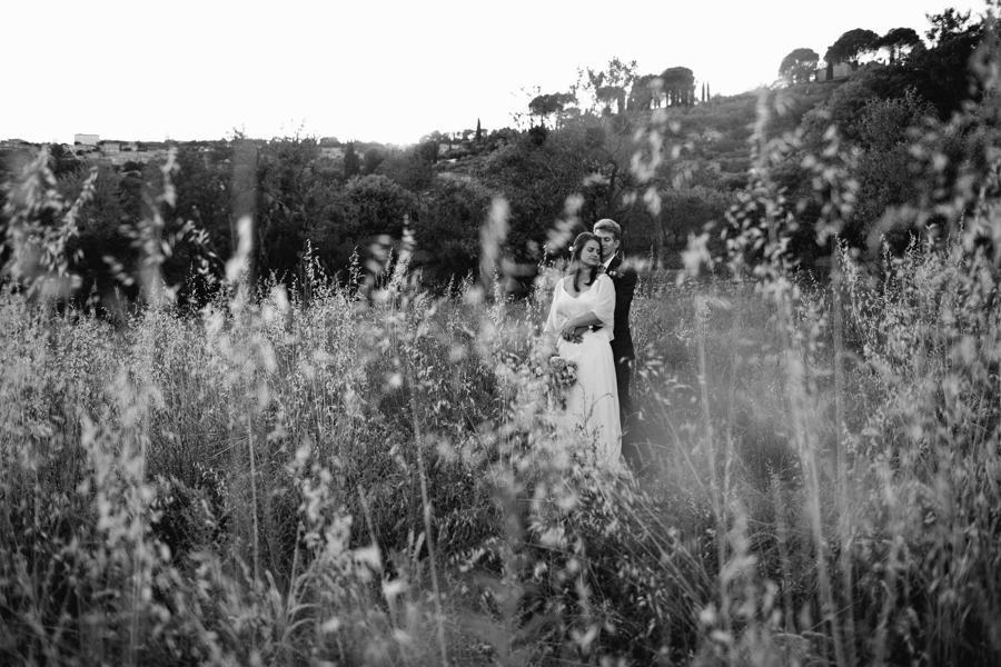 un-mariage-simple-et-chic-a-gordes-ingrid-lepan-photographe-provence-27