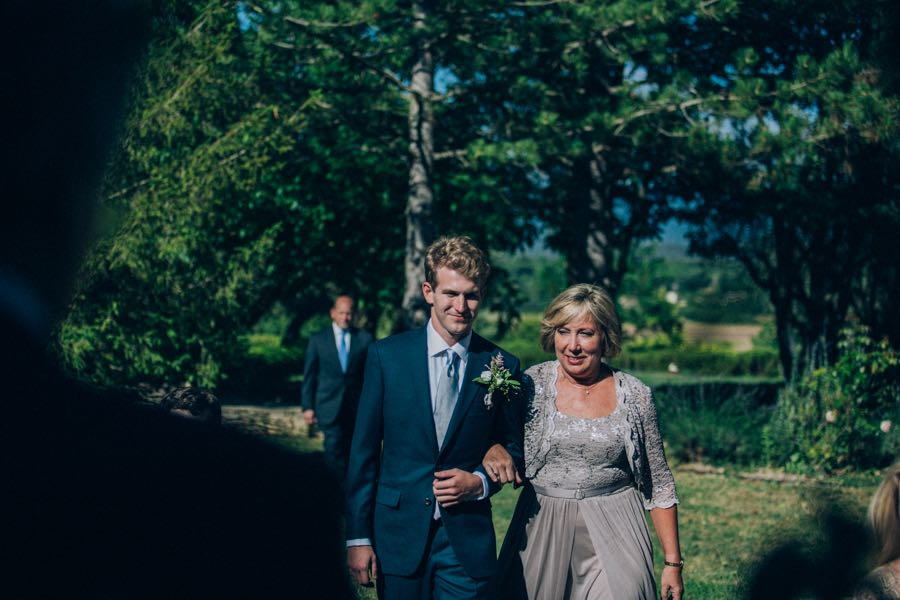 un-mariage-simple-et-chic-a-gordes-ingrid-lepan-photographe-provence-11