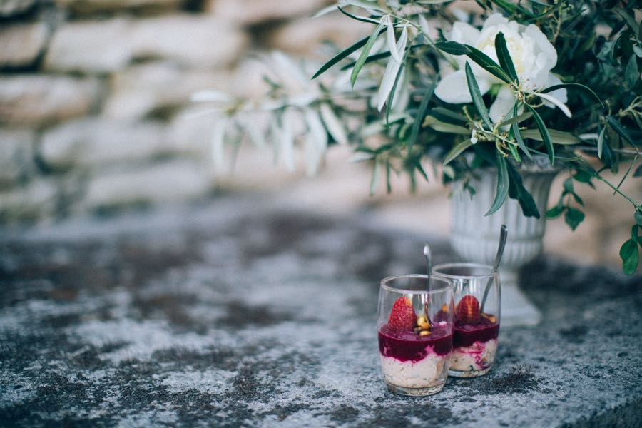 un-mariage-simple-et-chic-a-gordes-ingrid-lepan-photographe-provence-32