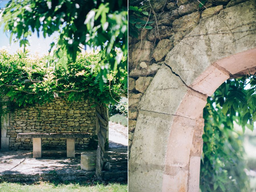 un-mariage-simple-et-chic-a-gordes-ingrid-lepan-photographe-provence-26